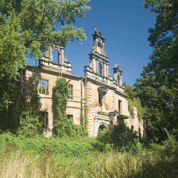 Ruiny pałacu rodziny von Korn