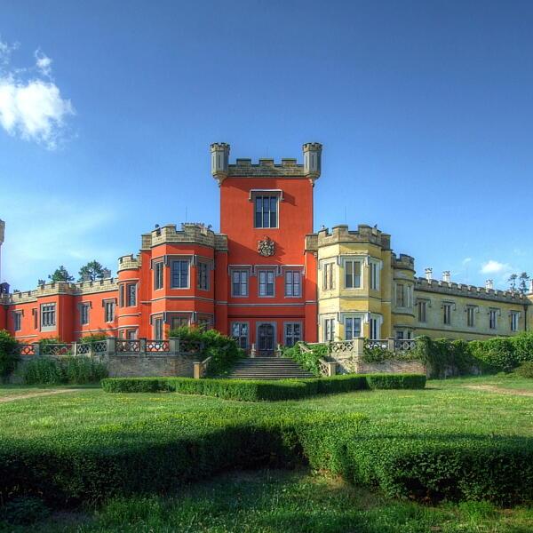 Hrádek u Nechanic Castle