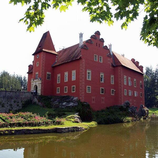 Zamek Czerwona Lhota