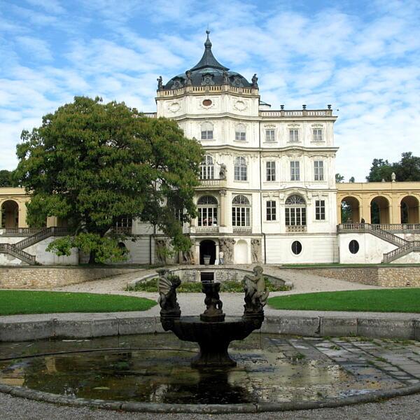 Zamek w Ploskovicach