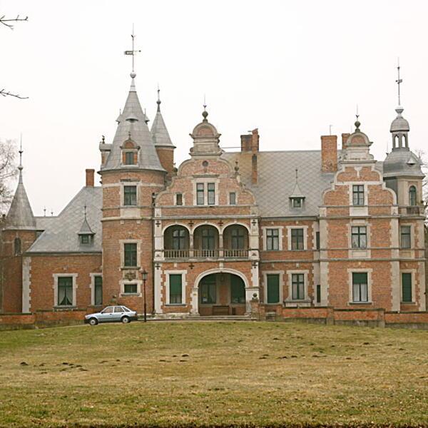 Pałac w Kobylnikach