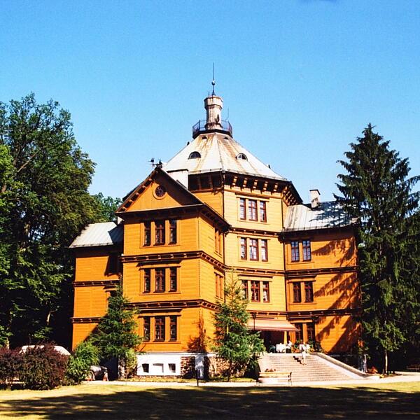 Pałac Myślwiski Książąt Radziwiłłów